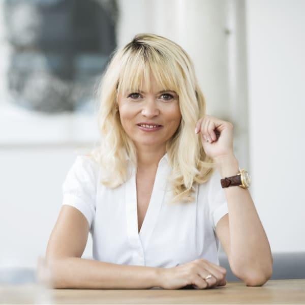 Christa Schirl